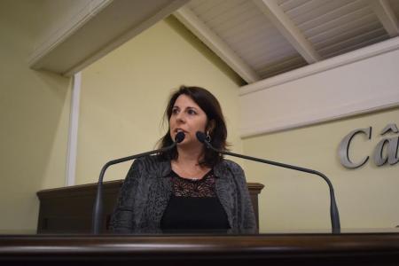 Rosi faz pedidos à Prefeitura