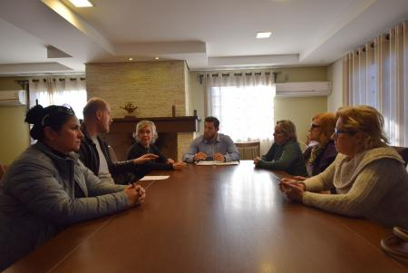 Vereadores recebem representantes da ACAVG