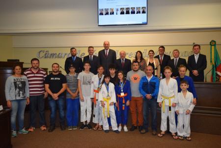 Atletas do Jiu Jitsu recebem homenagem