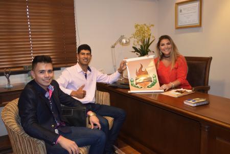 Manu recebe visita de representantes da Sonho Olímpico