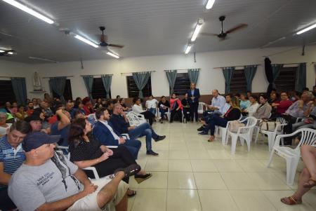 Vereadores participam de reunião na Escola Nossa Senhora de Fátima