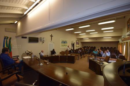 Reunião aborda feriados religiosos