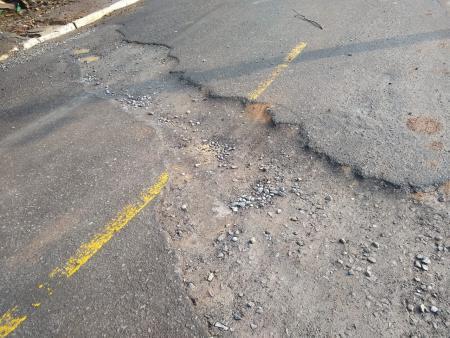 Reparo no asfalto do Bairro Piratini é solicitado a Corsan
