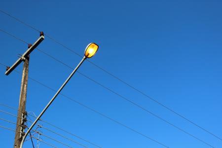 Poste de iluminação no Vale dos Pinheiros motiva pedido à RGE e Prefeitura