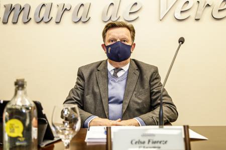 Vereador Celso Fioreze pede melhoria em sinalização e reajuste em tarifas para taxistas