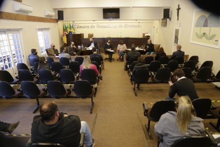 Parque das Orquídeas: vereadores reúnem-se com Prefeitura e MP sobre Projeto de Lei